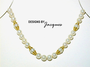 Jacques Pearl Necklace with 18 Kt Yellow Gold